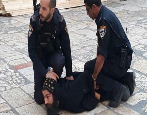 إعتداء الشرطة الاسرائيلية على الرهبان الأقباط بالقدس