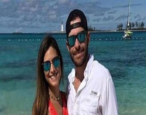 بالفيديو : موقفٌ محرج لعروسَيْن في رحلة شهر عسلهما!