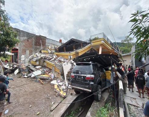 مقتل العشرات وإصابة المئات بهزة أرضية في إندونيسيا.. بالفيديو