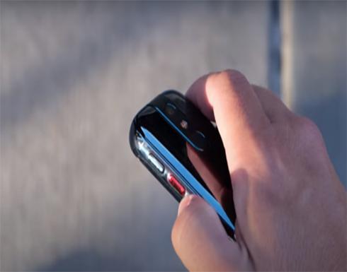 """الصين تكشف عن أصغر هاتف يعمل بنظام """"أندرويد-10""""!"""