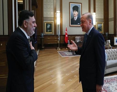 أردوغان يبدي إعجابه بلحية السراج.. هذا ما قاله .. بالفيديو