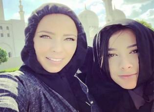 بالصور: زوجات لاعبي ريال مدريد في مسجد الشيخ زايد