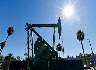مصر توقّع عقود تنقيب عن النفط والغاز في البحر الأحمر