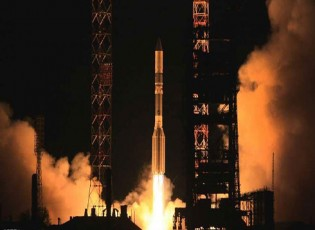 إطلاق القمر المصري بنجاح إلى الفضاء
