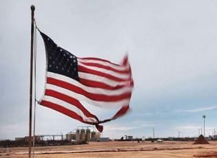 النفط يتعافى مع تراجع كبير في مخزون النفط الأميركي