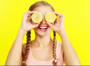 أبرزها تفتيح الشعر وإبعاد النمل.. الليمون استعمالات متعددة لا تخطر على بالك!