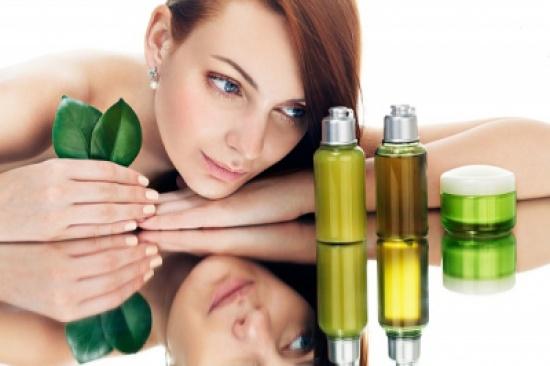 اكتشفي الفوائد المذهلة لزيت الجوجوبا على بشرتك