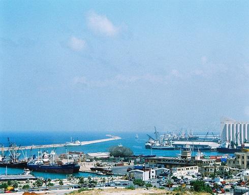 """بعد """"تهديد"""" إسرائيل لميناء بيروت.. لبنان يطالب بتحرك دولي"""