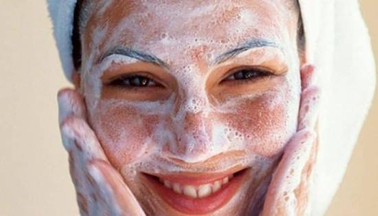 تجنبي الصابون للحفاظ على شباب بشرتك