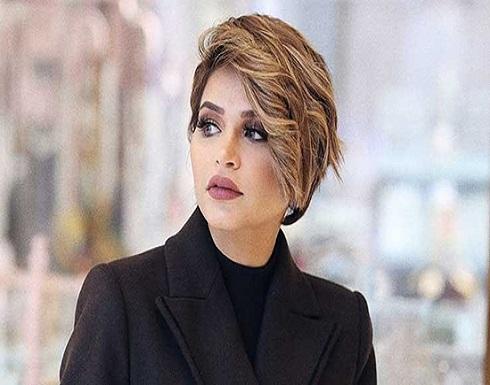 """فيديو..نهى نبيل تهدي زوجها سيارة """"فيراري"""" بعد سنة من الحجز على أموالها"""