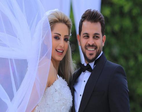 المطرب محمد رشاد ينفصل عن زوجته المذيعة مى حلمي