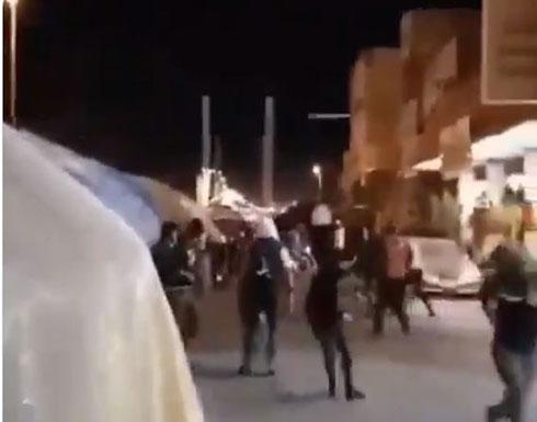 بالفيديو : الحشد يطلق النار في ساحة الحبوبي بالناصرية بعد رفض المعتصمين تشييع المهندس
