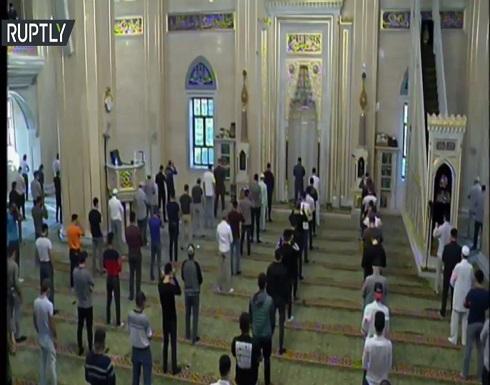 شاهد : صلاة العيد في مسجد أحمد قديروف في مدينة غروزني الشيشانية