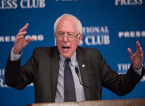 """ساندرز يهاجم ترامب ويتعهد بـ""""ثورة سياسية"""" بالولايات المتحدة"""