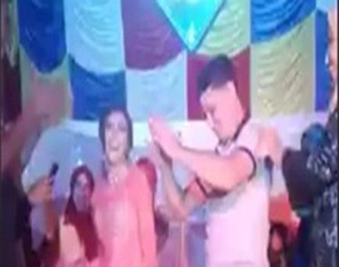 نهاية مروعة لعروس حملها شاب ورقص بها (فيديو)