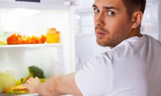 ما دور الغذاء بتحسين المزاج؟