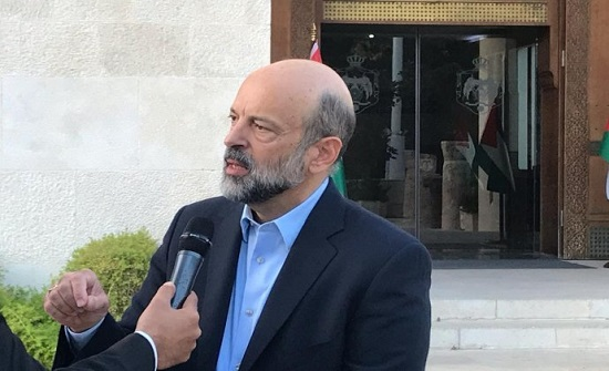 رئيس الوزراء الأردني : وضعنا المالي صعب وعلاوة المعلمين ستزيد من العجز
