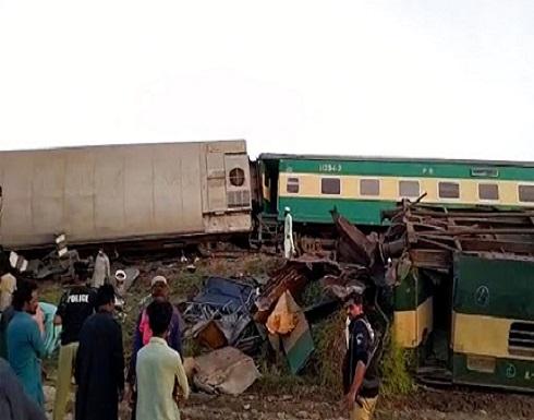 اصطدام قطارين في جنوب باكستان ومقتل 30 على الأقل