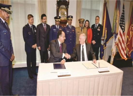 """قطر توقع اتفاقية لشراء طائرات """"إف 15"""" من أمريكا بـ12 مليار دولار"""