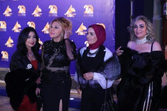رانيا يوسف تتجاهل نادية الجندي أثناء تواجدهما وجها لوجه في حفل مدينة الإنتاج الإعلامي