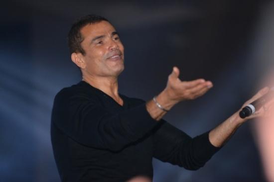 """بالصور - عمرو دياب يثبت مجدداً أنه لم يكبر """"وما راحت عليه""""!"""