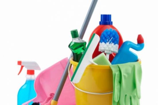 دراسة: كثرة مواد التنظيف تضر رئة النساء