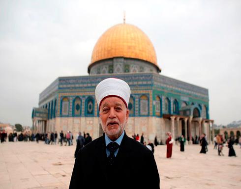 الإحتلال الإسرائيلي يفرج عن مفتي القدس بعد احتجازه لساعات