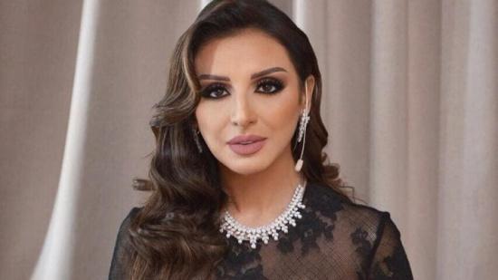 """محمد سامي يستبعد أنغام لعدم إتقانها الغناء بـ""""نسل الأغراب"""".. وبوادر أزمة بينهما"""