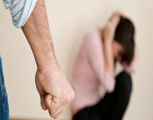 مصري يعذب ابنته ويوثقها بالحبال لمدة شهر لتأديبها!