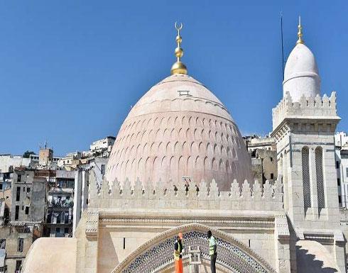 الجزائر تسحب صناديق الزكاة من المساجد