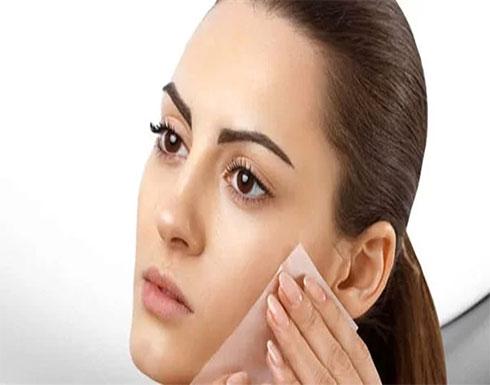 بالعسل والأرز.. ماسك فعال لتفتيح البشرة الدهنية