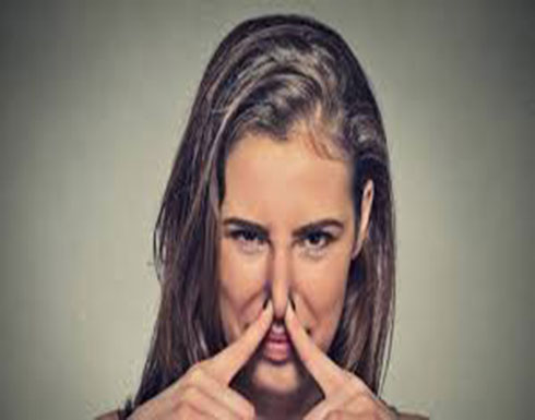 اكتشفوا وصفة غسول الفم لإزالة رائحة العرق لوقت طويل