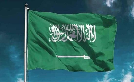 لقطة غير محتشمة وعلم إيران يثيران جدلا في أول عرض مصارعة حرة بالسعودية
