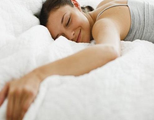 هل تريد أن تخسر وزنك وأنت نائم؟ هذا المشروب سيفيدك