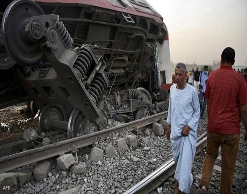 حادث جديد في مصر.. ترك مركبته أمام القطار وفر هاربا
