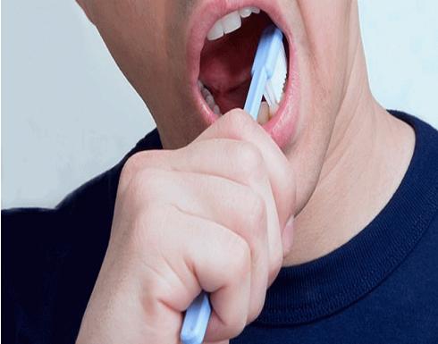 علاقة أمراض اللثة بالسكتات الدماغية