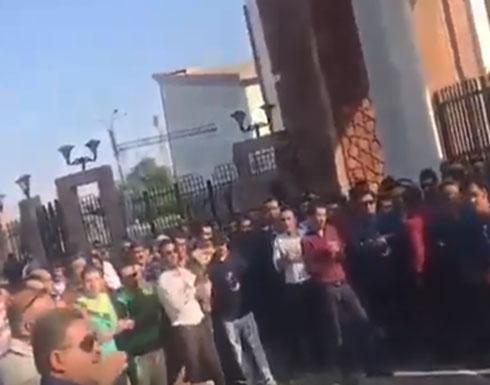 إيران.. مظاهرات عمالية تشعل الأهواز وهتافات ضد الحكومة (فيديو)