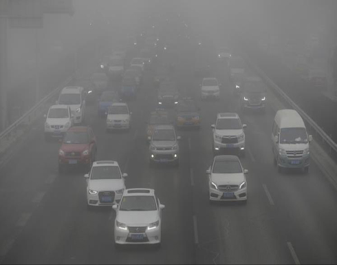بكين تحظر المركبات الكثيفة الانبعاثات لمكافحة الضباب الدخاني
