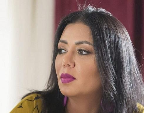 """شاهدوا.. رانيا يوسف تتحدث مجدداً عن عدد زيجاتها وحقيقة """"بطانة الفستان"""""""
