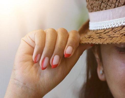 رسومات الأظافر المائلة lipstick nail أحدث صيحات هذا الموسم