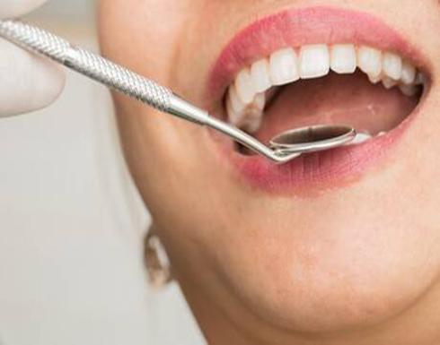 علامة تحذيرية تشير إلى مرض سرطان الفم القاتل