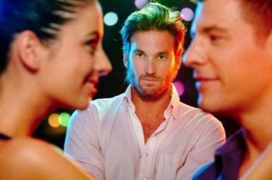 3 أبراج للنساء يشعر الرجل بالغيرة عليهن.. هل أنتِ منهنّ؟