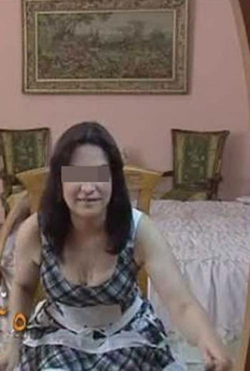 بالصور.. ضبط «ممثلة» فى أحضان ثرى عربى داخل فندق بالقاهرة .. والتحقيقات: شاركت بأعمال تلفزيونية وغنائية وسينمائية