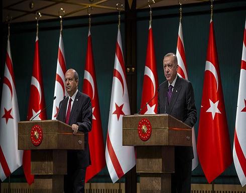 """""""أردوغان"""" يهنئ """"تتار"""" بفوزه في رئاسيات قبرص التركية"""