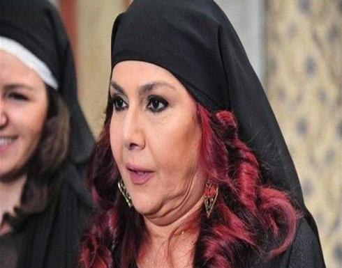 ام عصام تشعل السوشيال ميديا بصورة نادرة لشقيقتها سامية الجزائري .. شاهد