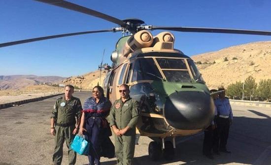 مصادر : رحلة الفنانة أحلام بطائرة عامودية إلى البترا بأجر