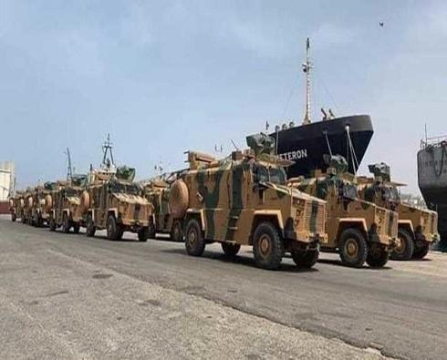 الجيش الليبي: طائرة شحن نقلت أسلحة من اسطنبول إلى ليبيا