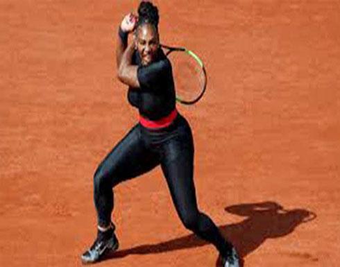 أحمدي نجاد يدافع عن لباس نجمة التنس الأمريكية سيرينا ويليامز