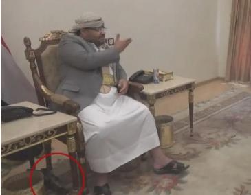 """شاهد .. قيادي حوثي يتحدث """"نتفاوض والسلاح تحت الطاولة"""""""