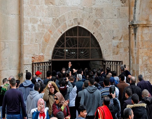 الاحتلال الإسرائيلى يخلى المصلين من باحة مصلى باب الرحمة